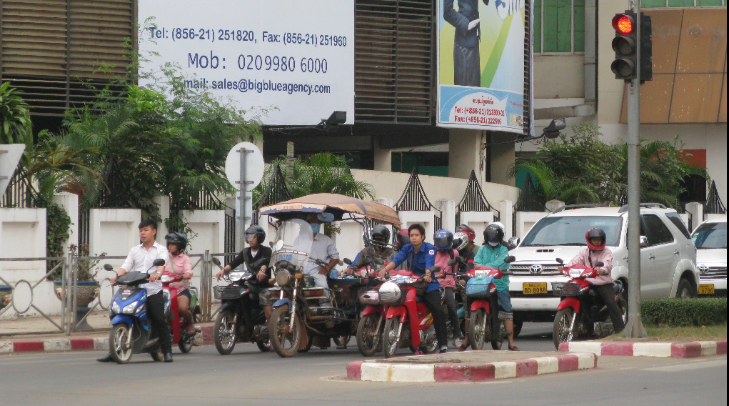 Workshop in Vientiane (Laos): Choosing a corridor to structure public transport network